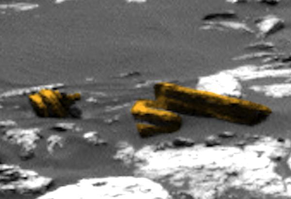 На Марсе обнаружили детали разбившего инопланетного корабля фото 1