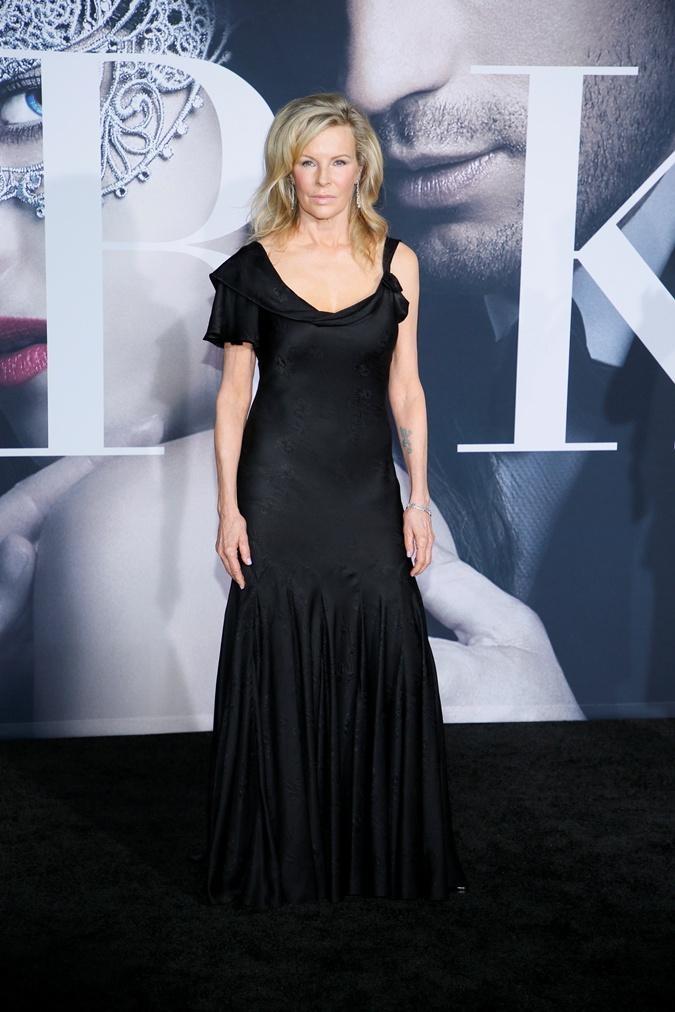 63-летняя Ким Бейсингер