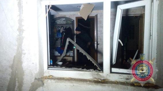 Ночью обстреляли  Сартану: снаряды попали в дом семьи с тремя детьми фото 2