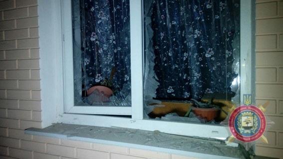 Ночью обстреляли  Сартану: снаряды попали в дом семьи с тремя детьми фото 5
