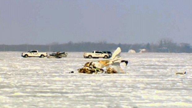 В Канаде разбился самолет, погибли три человека фото 1