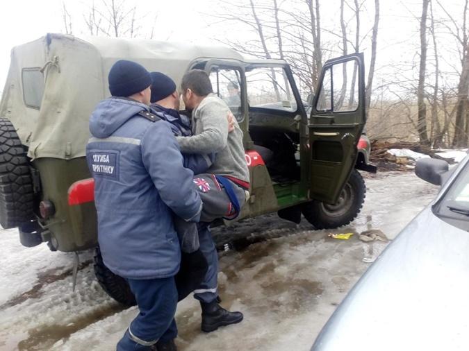 Вблизи Кременчуга 5 рыбаков пошли под лед