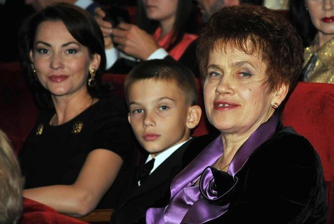 Новая пассия Януковича почти на 30 лет младше его бывшей жены Людмилы.