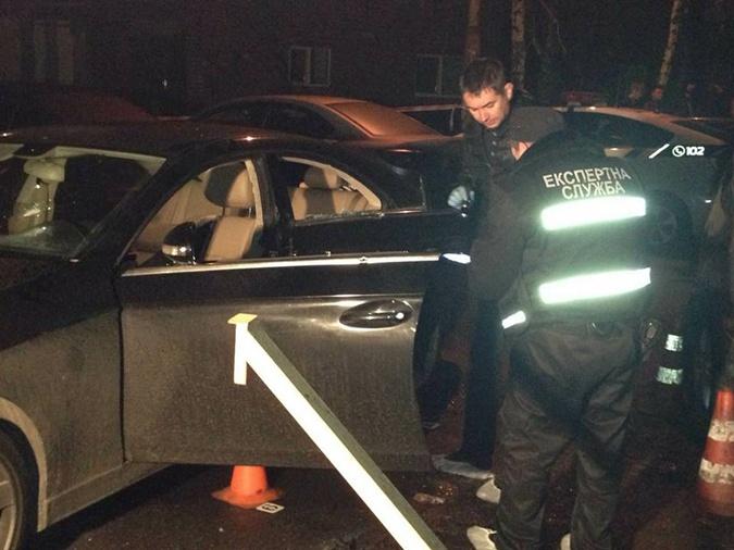 ВКиеве расстреляли Mercedes: шофёр умер, двое детей в клинике
