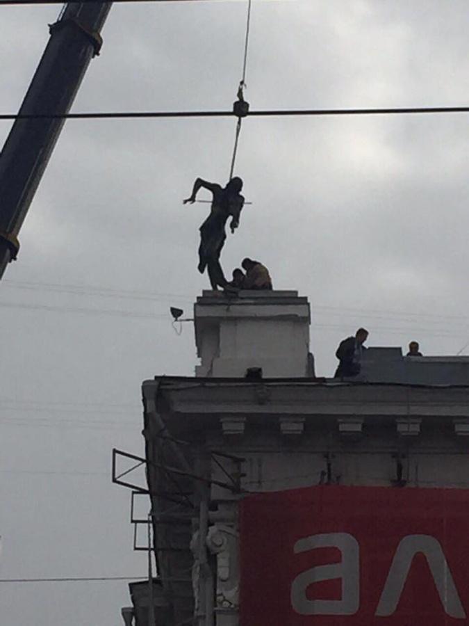 В Харькове удвоилась известная достопримечательность фото 1