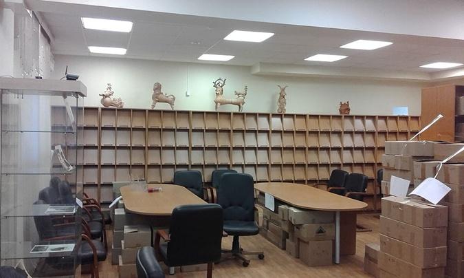 В Москве из украинской библиотеки вывезли все книги фото 1