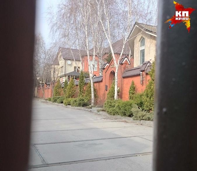 Репортеры показали дом Януковича вРостове
