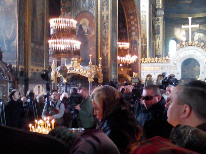 Вдова убитого Вороненкова споет украинские песни впамять омуже