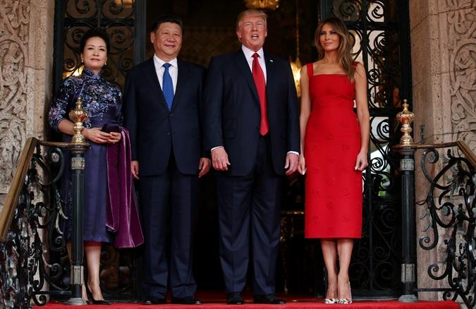 Мелания Трамп повстречалась спервой леди Китая в одеяние за $4 тысячи