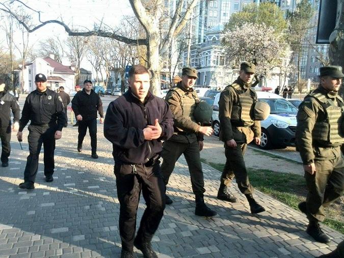Одесса замерла в ожидании новой драки на День освобождения города фото 3