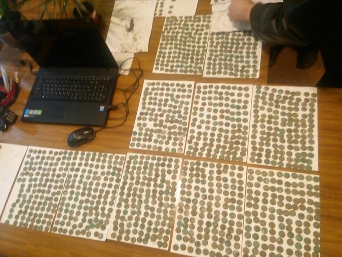 Школа передала в музей 1398 монет и еще сотню нашли историки. Фото: группа 24-й Черниговской школы Вконтате