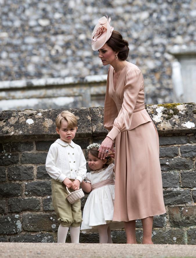 Маленький принц начал шалить на свадьбе тети. Фото: WPA Pool/Getty Images