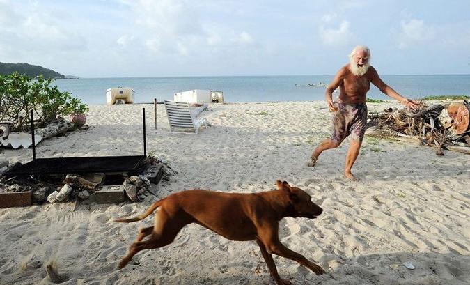Бывший миллионер, 20 лет проживший на необитаемом острове, ищет девушку своей мечты фото 2