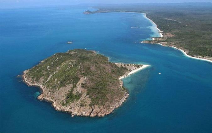 Бывший миллионер, 20 лет проживший на необитаемом острове, ищет девушку своей мечты фото 1