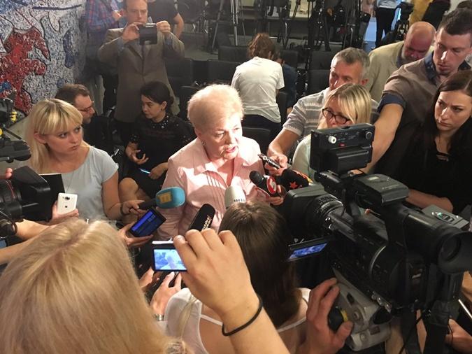 Мать журналиста Людмила Шеремет.