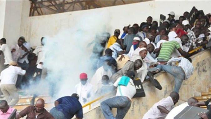 Жертвами давки на стадионе в Дакаре стали 8 человек фото 1
