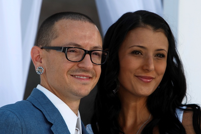 Честер Беннингтон с супругой Талиндой.
