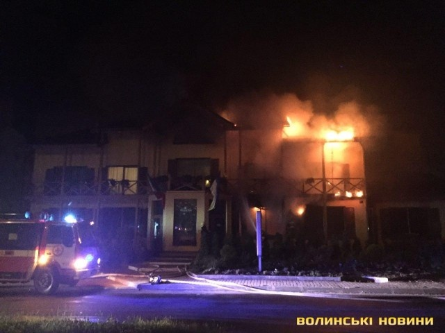 ВЛуцке после взрыва горел отель, есть пострадавшие, обнародовано видео