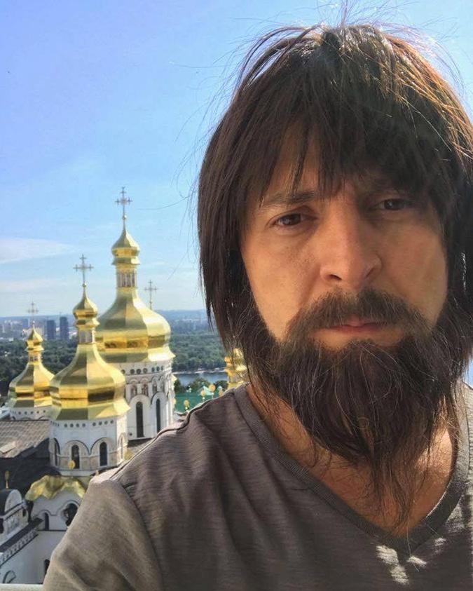 Голобородько в новом образе забрался на Лаврскую колокольню. Фото: пресс-служба студии