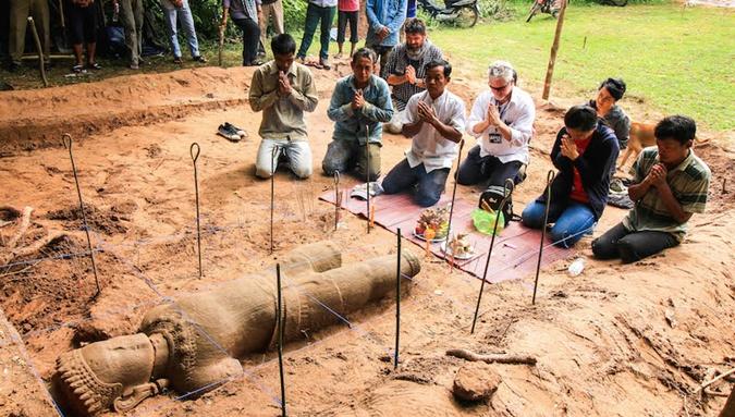 Археологи обнаружили древнейшую статую вКамбодже