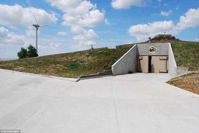 Предчувствие апокалипсиса: в мире в несколько раз вырос спрос на противоядерные бункеры фото 1