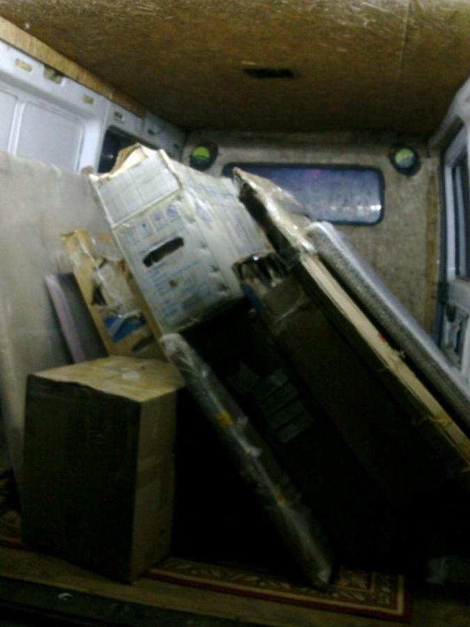 Из Мариуполя картины вывозили в коробках.