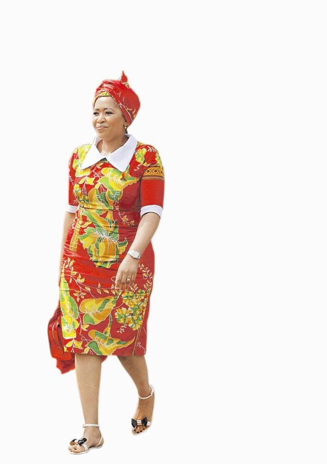 Мода высокой политики: Меркель пора надеть платье, а Мелании Трамп сменить прическу фото 3