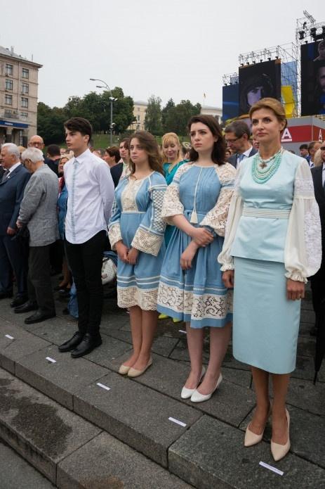 Марина Порошенко с дочерьми в День независимости в 2016 году.