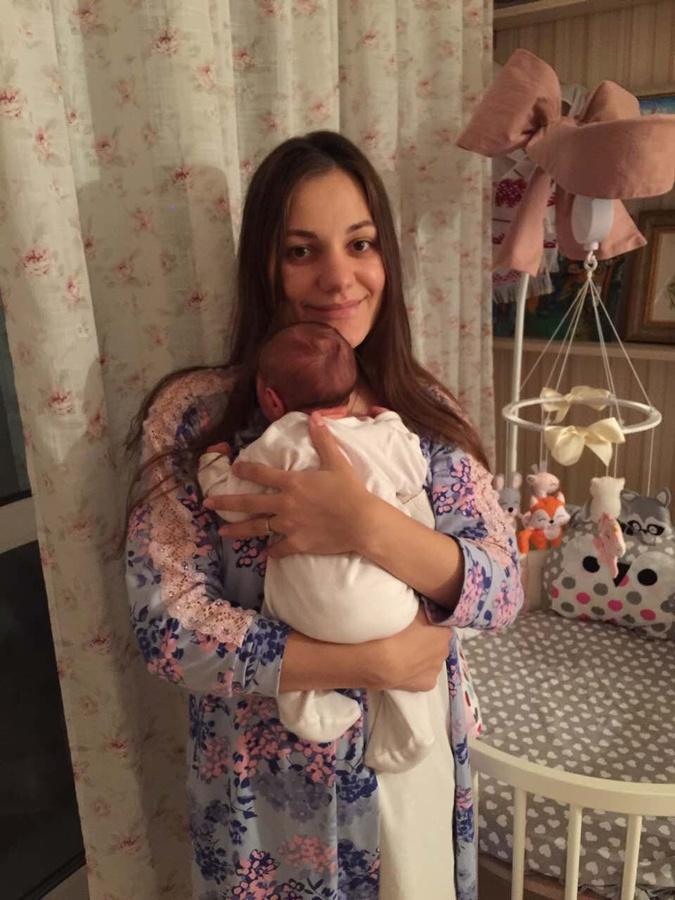 Старшая дочь телеведущего Анна с дочкой Катей.