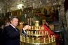 Янукович поставил свечку в Израиле