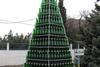 Смотрите! Кто-то выпил нашу елку!