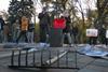 Активисты принесли грабли под здание ВР