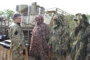 На Донбассе Порошенко носил именную военную форму