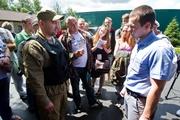 Генпрокуратура опечатывает Межигорье и запрещает экскурсии, чтобы выселить самооборону