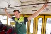 Киевский кондуктор-красавчик увольняется и уходит в стриптиз