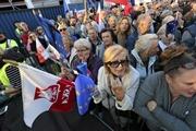 Запрет абортов в Польше: бедные польки едут во Львов, богатые - в Европу