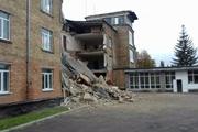 Эхо васильковской беды: школы трещат и рассыпаются по всей стране