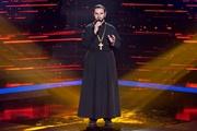 Священник из  Голоса країни-7 :  Иногда у нас бывают исповеди в гримерке