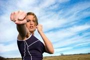 Важно что в самозащите: отбивайтесь и бегите!