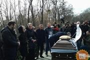 Неизвестный мужчина - сыну Вороненкова:  Отец был хорошим офицером, держись