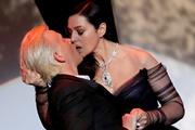 Открытие Каннского фестиваля: дочь Джонни Деппа без белья и страстный поцелуй Моники Белуччи