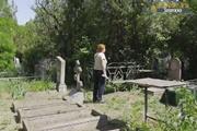 Кладбищенские войны:  Пришла на могилу матери, но увидела там чужую плиту