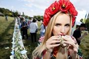 Украинцы стали меньше есть: на 50 килограмм в год