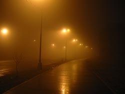 Меня сводят с ума фонари И дорога все ближе в рай, Я уйду ты меня не зови, Все равно я умру так и знай...