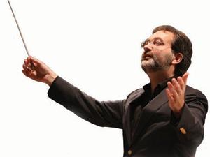 """Дирижер оркестра """"Времена года"""", исполнительный директор """"Пи…"""