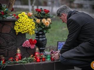Третий Майдан  и вооруженные люди: как Киев готовится отметить годовщину революции