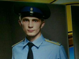 В России 18-летний неонацист с автоматом и пистолетами напал на ФСБ