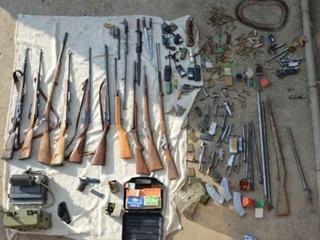 Оружие, наркотики и порно: в Сербии во время спецоперации задержали 360 человек