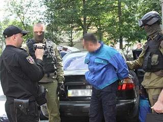 Трех вооруженных грабителей поймали при побеге из винницкой ювелирки