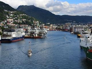 Где в мире жить лучше: пенсионерам - Норвегия, детям - Голландия
